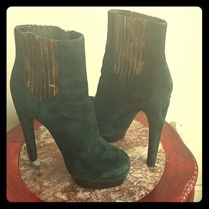 Platform ankle emerald green suede boot